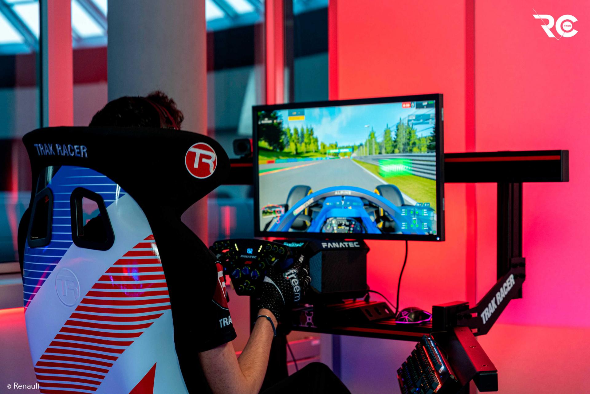 "Richard Arnaud (Alpine Esports Workforce): ""Sim Racing requires preparation similar to that of System 1 drivers"""